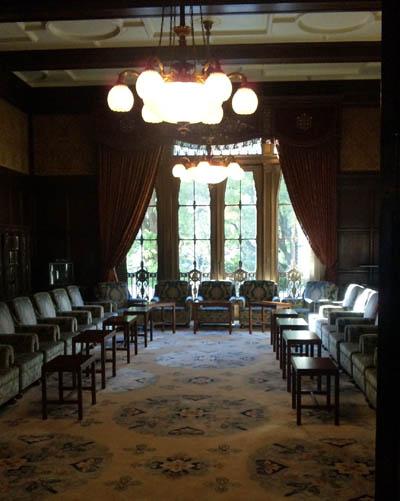 閣議前の部屋